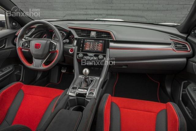 Đánh giá xe Honda Civic Type R 2018 về trang bị tiện nghi