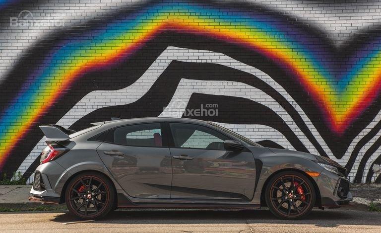 Thân xe Honda Civic Type R 2018: