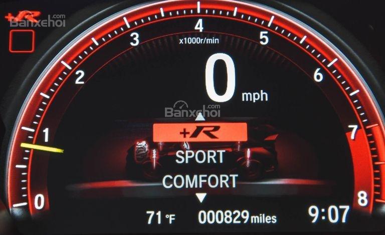 Đánh giá xe Honda Civic Type R 2018 về cụm đồng hồ lái a3