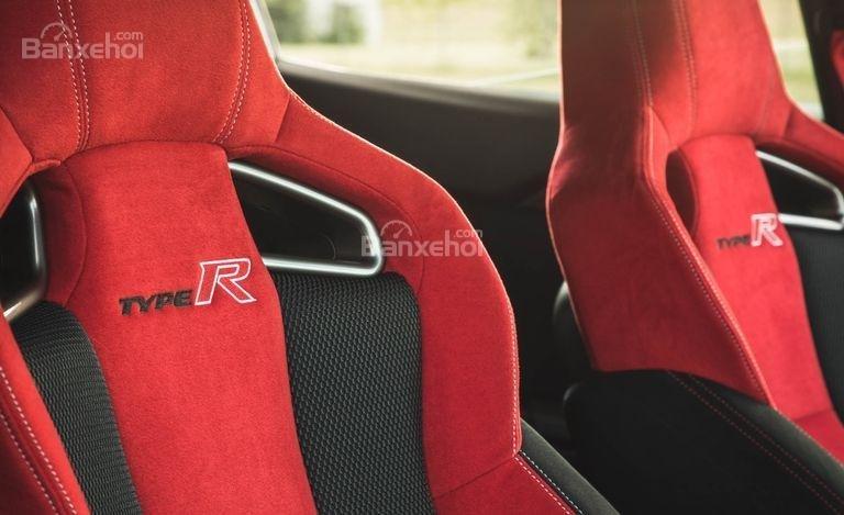 Hệ thống ghế ngồi xe Honda Civic Type R 2018