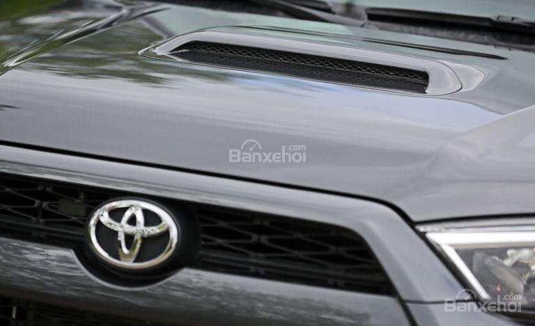 Logo Toyota xe Toyota 4Runner 2018