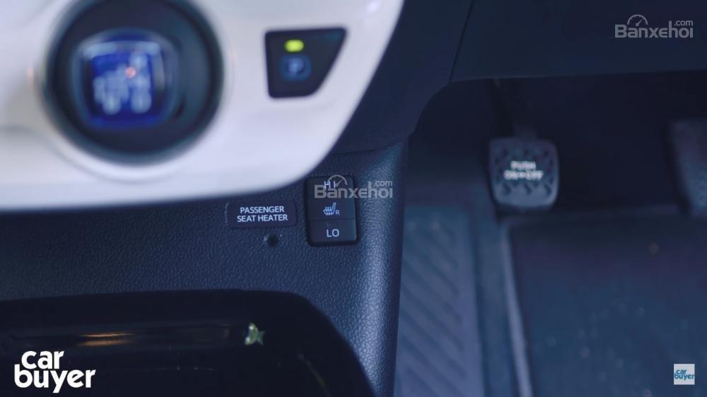 Điểm qua một số lợi thế, bất cập của Toyota Prius PHEV 3