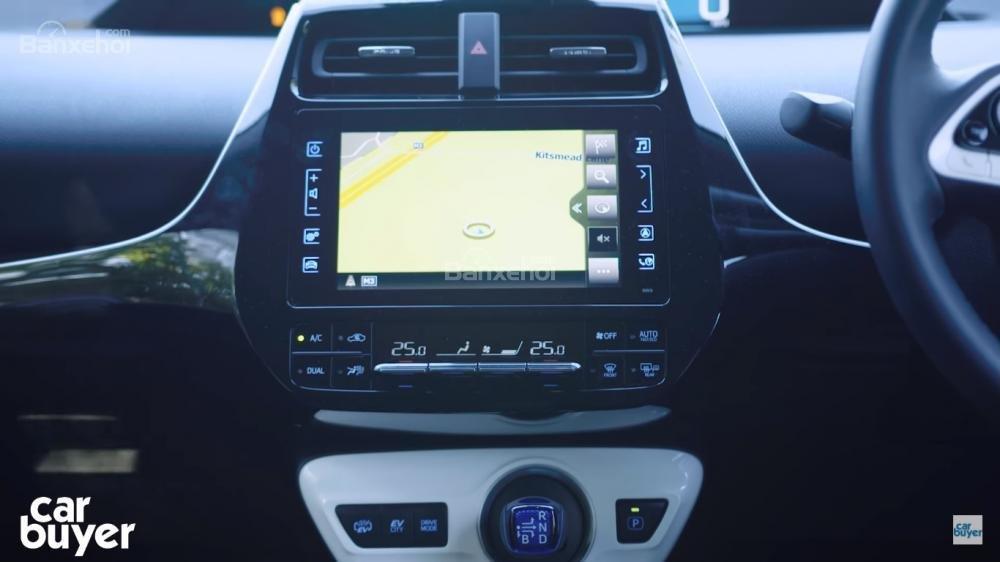 Điểm qua một số lợi thế, bất cập của Toyota Prius PHEV 2
