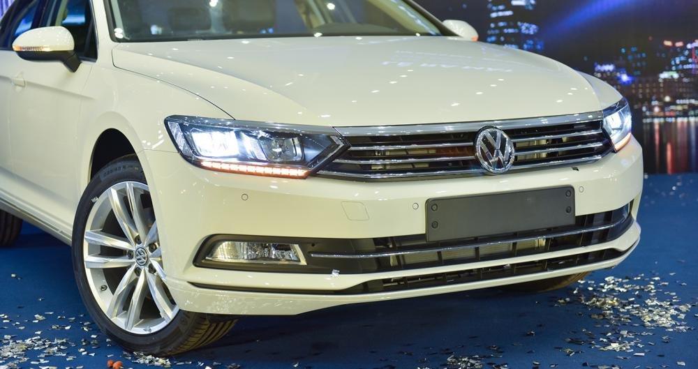 Ảnh chụp đầu xe Volkswagen Passat 2018