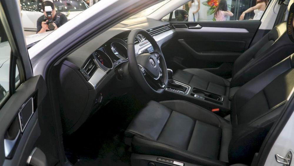 Ảnh chụp ghế xe Volkswagen Passat 2018