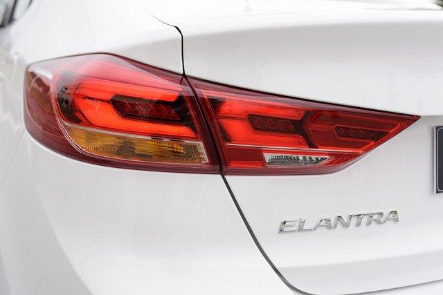 Hyundai Elantra Sport 2018 ra mắt tại Việt Nam với giá 729 triệu đồng a7