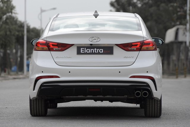 Hyundai Elantra Sport 2018 ra mắt tại Việt Nam với giá 729 triệu đồng a6