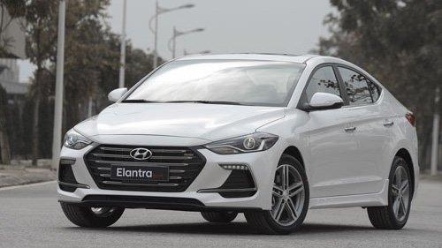 So sánh xe Mazda 3 2018 và Hyundai Elantra Sport 2018: Xe đẹp và xe thực dụng 3