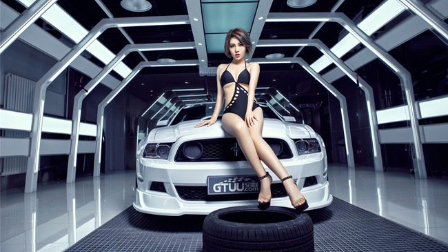 Người đẹp và xe Ford Mustang a6