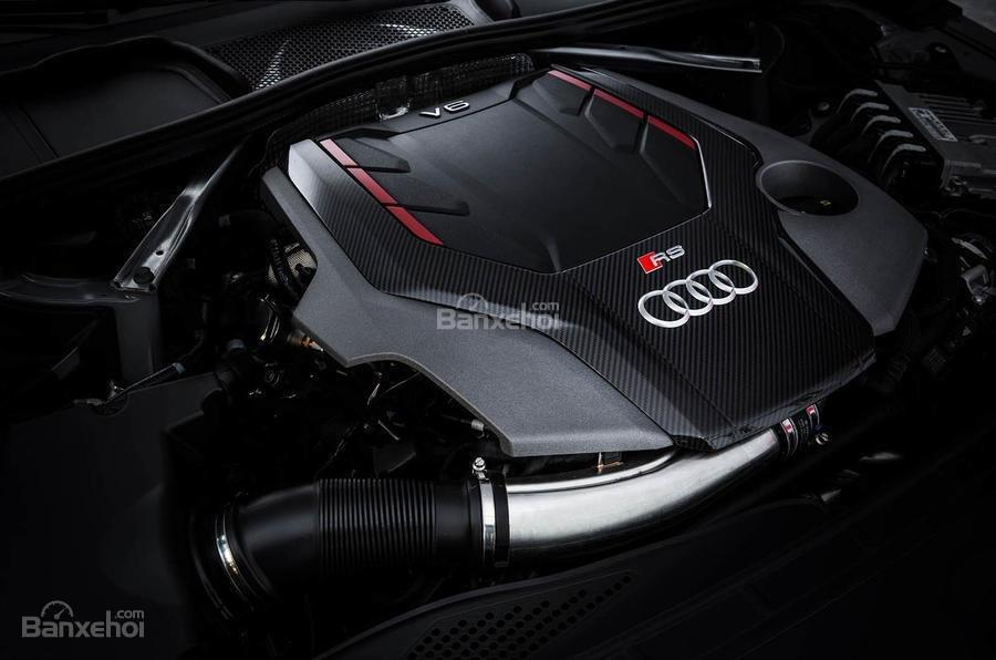 Đánh giá xe Audi RS4 Avant 2018: Xe được trang bị động cơ V6.