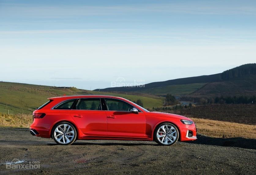 Đánh giá xe Audi RS4 Avant 2018: Thân xe.