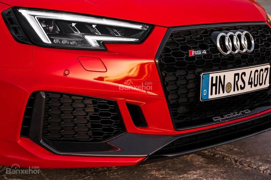 Đánh giá xe Audi RS4 Avant 2018: Hốc thông gió.