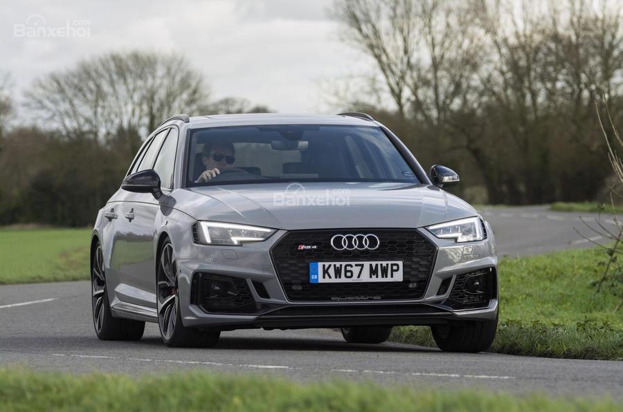 Đánh giá xe Audi RS4 Avant 2018: Mẫu xe mang đến sự hài lòng.