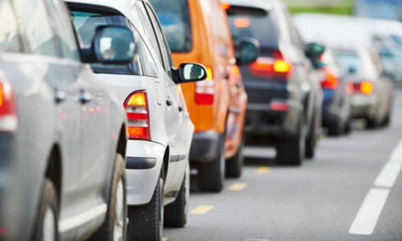 Giữ khoảng cách an toàn với phương tiện khác 4