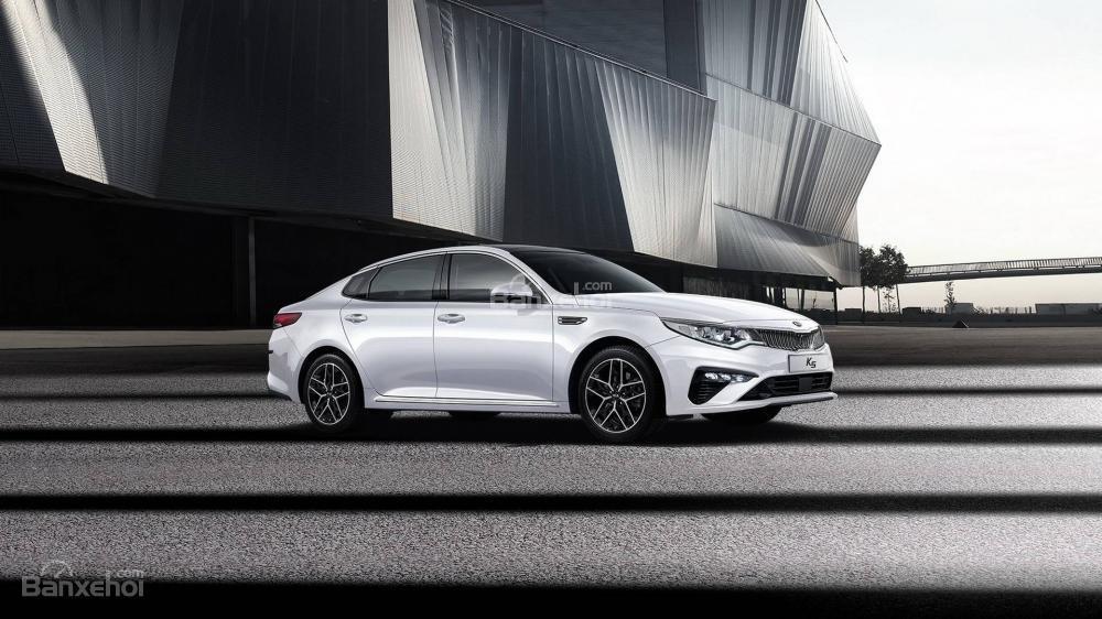 Đánh giá xe Kia Optima 2019: Mức tiết kiệm nhiên liệu của xe chưa được công bố.