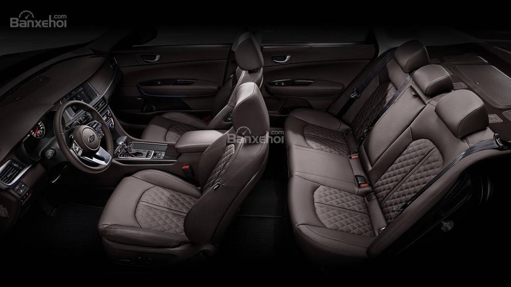 Đánh giá xe Kia Optima/ K5 2019: Ghế ngồi trên xe khá sang trọng.