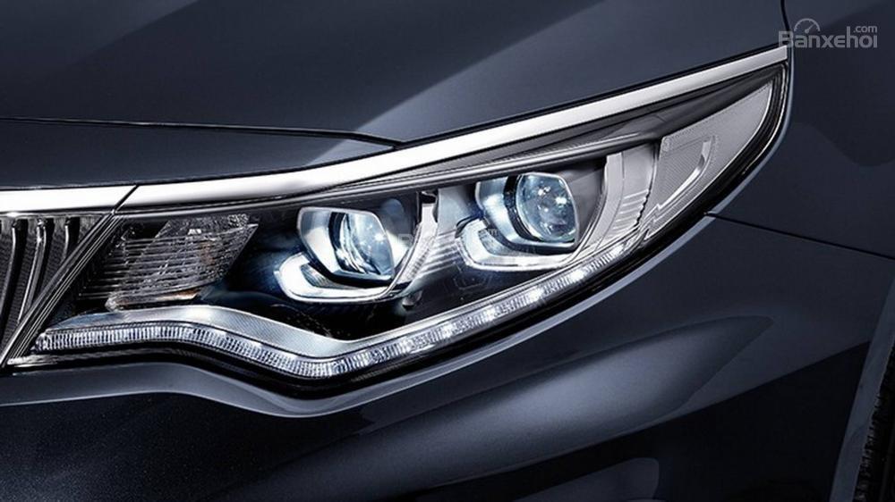 Đánh giá xe Kia Optima/ K5 2019: Đèn pha xe.