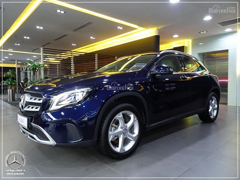 Bán Mercedes GLA 200 New - SUV 5 chỗ - KM 100% TTB - Hỗ trợ ngân hàng 80%. LH: 0919 528 520 (2)