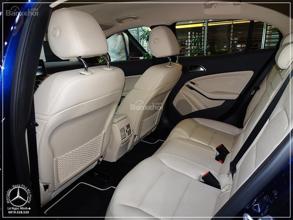 Bán Mercedes GLA 200 New - SUV 5 chỗ - KM 100% TTB - Hỗ trợ ngân hàng 80%. LH: 0919 528 520 (7)