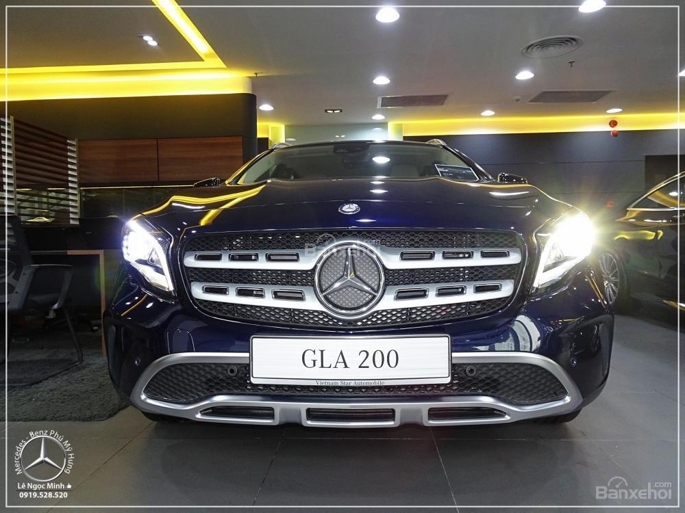 Bán Mercedes GLA 200 New - SUV 5 chỗ - KM 100% TTB - Hỗ trợ ngân hàng 80%. LH: 0919 528 520 (1)