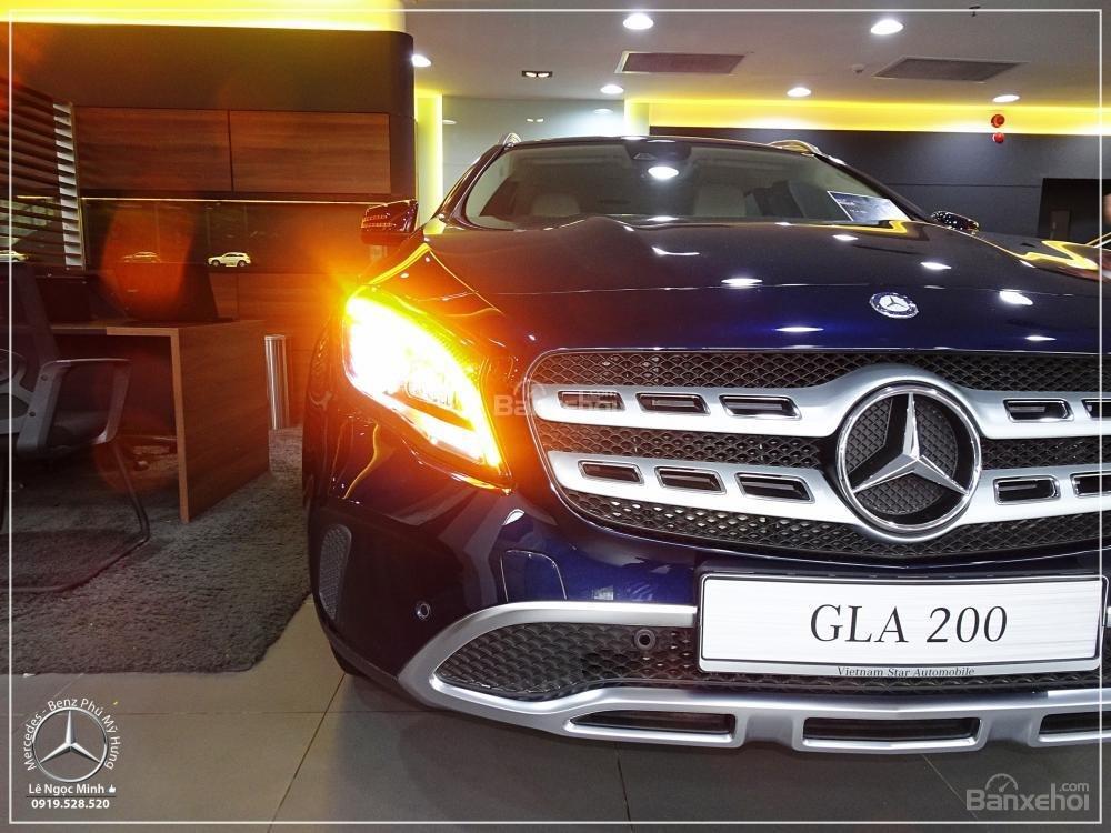 Bán Mercedes GLA 200 New - SUV 5 chỗ - KM 100% TTB - Hỗ trợ ngân hàng 80%. LH: 0919 528 520 (3)