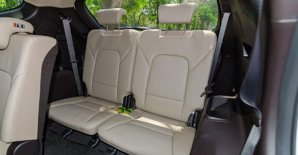 So sánh xe Kia Sorento 2018 và Hyundai Santa Fe 2018 về ghế xe 7