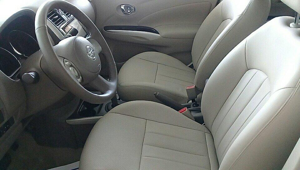 Ảnh chụp ghế trước xe Nissan Sunny Premium 2018