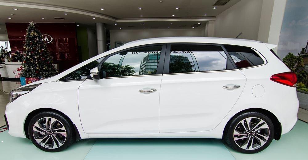 So sánh xe Suzuki Ertiga 2018 và Kia Rondo 2018 về thân xe 4