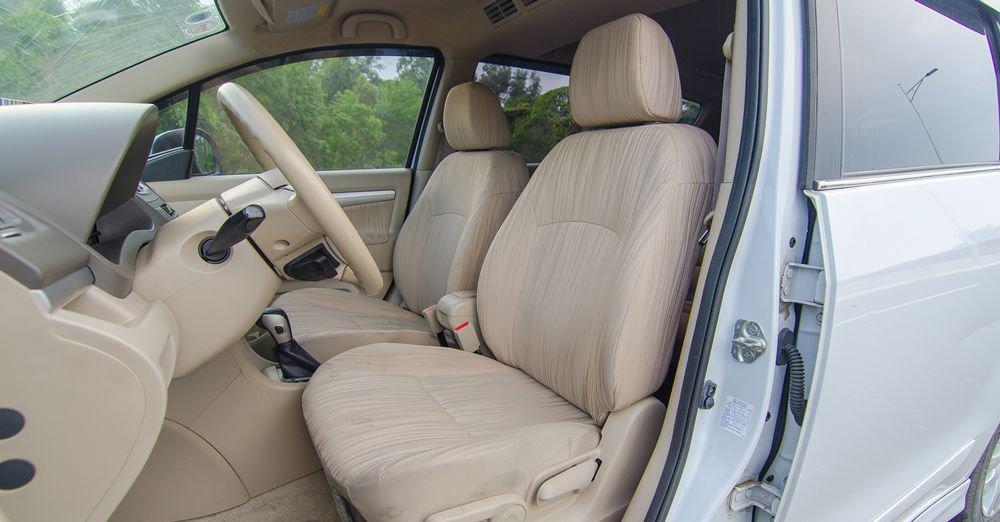 So sánh xe Suzuki Ertiga 2018 và Kia Rondo 2018 về ghế ngồi.