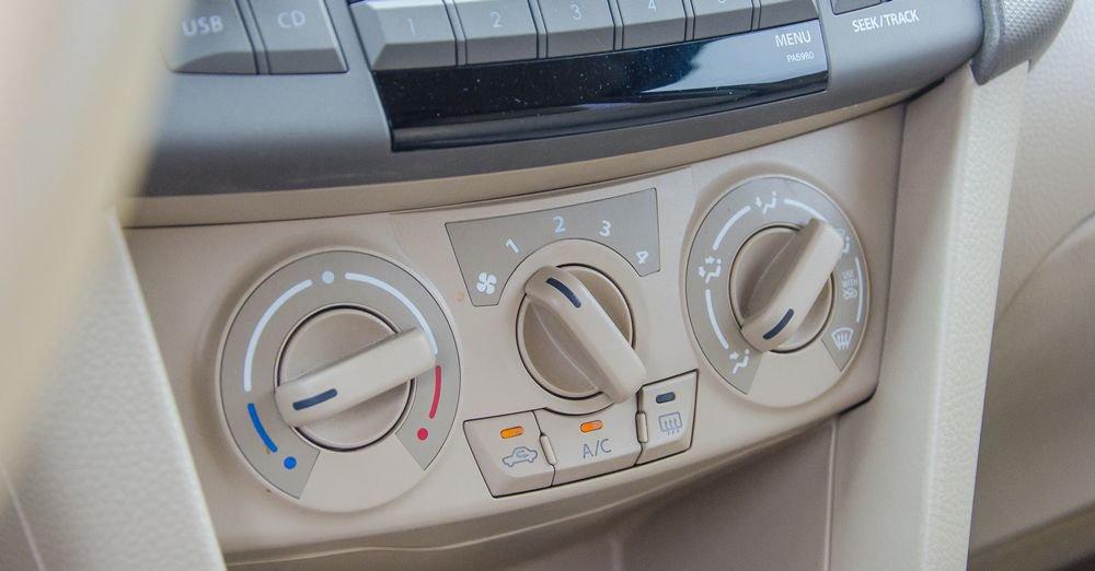 So sánh xe Suzuki Ertiga 2018 và Kia Rondo 2018 về trang bị giải trí 5