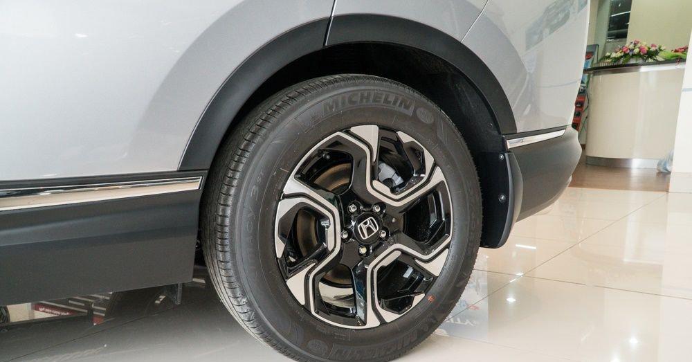 So sánh Mazda CX-5 2018 và Honda CR-V 2018 về thân xe 2