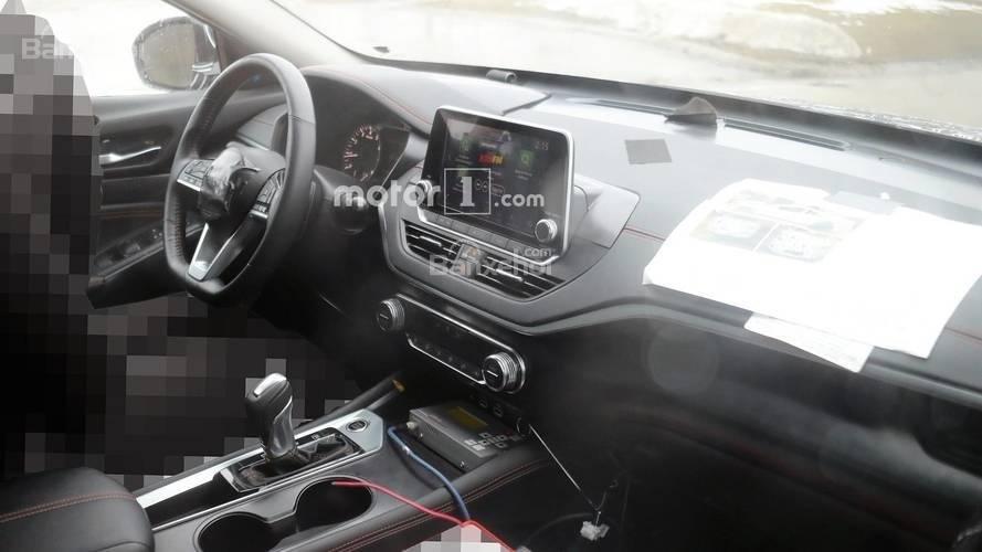 Nissan Altima 2019 lộ diện hình ảnh nội thất.