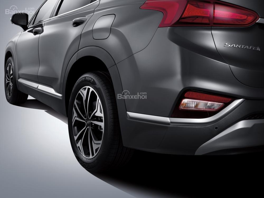 Hệ thống đèn chiếu sáng phía sau xe Hyundai Santa Fe 2019-2020