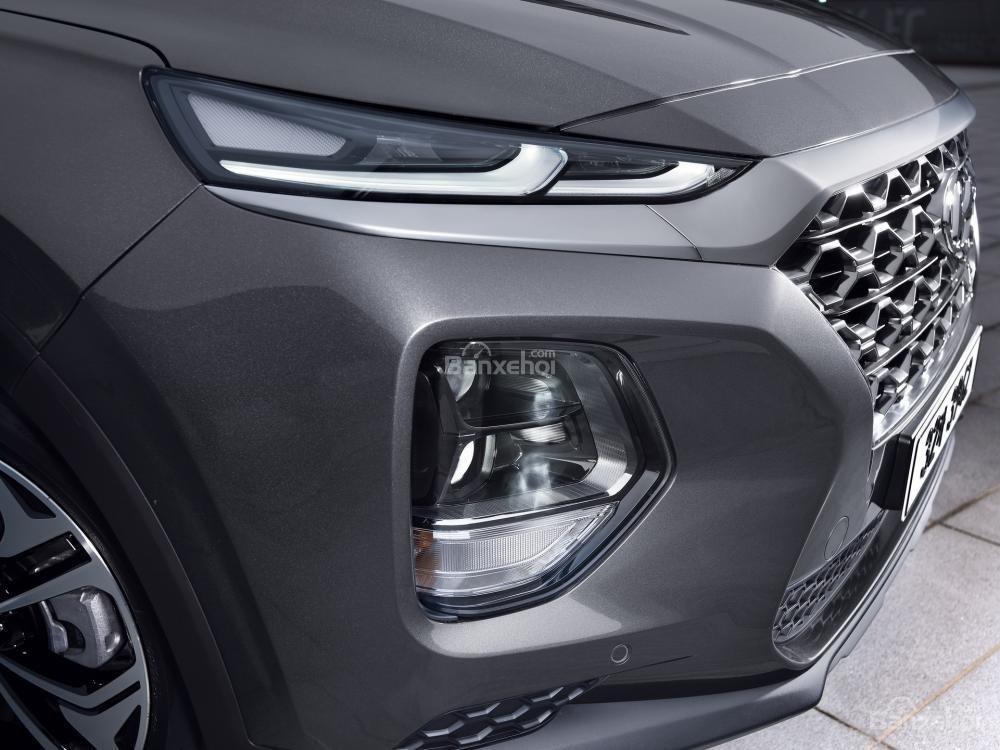 Hệ thống chiếu sáng phía trước xe Hyundai Santa Fe 2019-2020