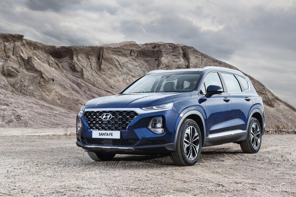 So sánh hình ảnh Hyundai Santa Fe 2019 và thế hệ cũ hiện tại a1