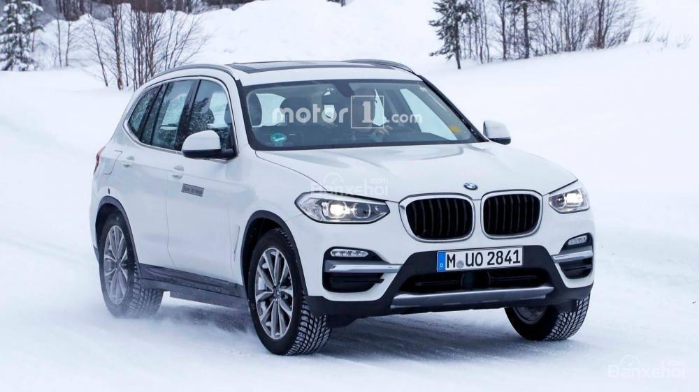 Xe điện BMW iX3 mới bị bắt gặp chạy thử hoàn toàn không ngụy trang.