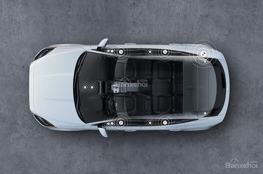 Đánh giá xe Jaguar E-Pace 2018: Hệ thống âm thanh.