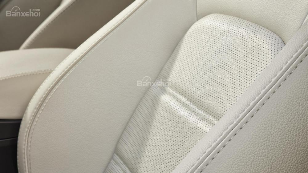 Hệ thống ghế ngồi bọc da xe Jaguar E-Pace 2018