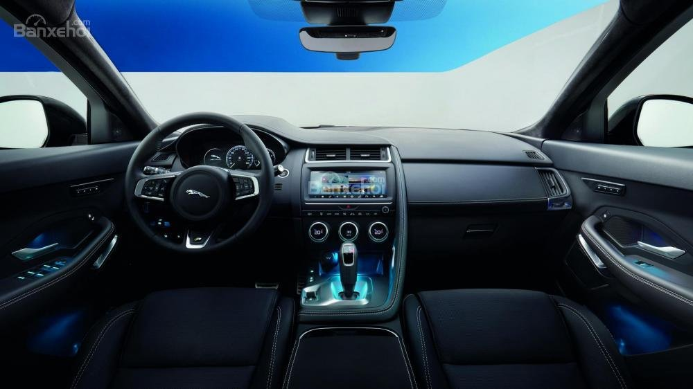 Khoang cabin xe Jaguar E-Pace 2018