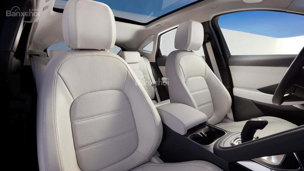 Ghế ngồi xe Jaguar E-Pace 2018
