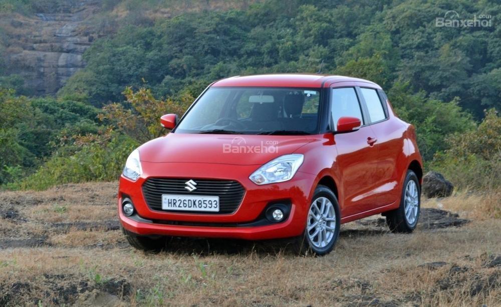 Suzuki Swift 2018 thế hệ mới gây sốt tại Ấn Độ, vượt 60.000 đơn hàng.