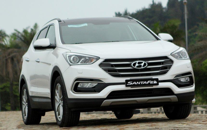 So sánh hình ảnh Hyundai Santa Fe 2019 và thế hệ cũ hiện tại a2