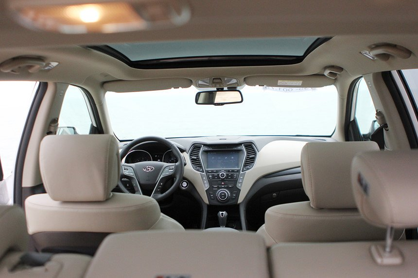So sánh hình ảnh Hyundai Santa Fe 2019 và thế hệ cũ hiện tại a26