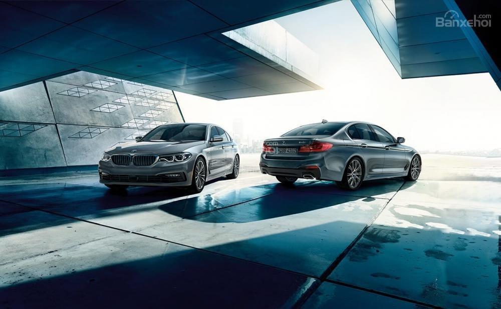 BMW 5-Series 2018 sở hữu phong cách thiết kế sắc nét và sang trọng hơn thế hệ tiền nhiệm..