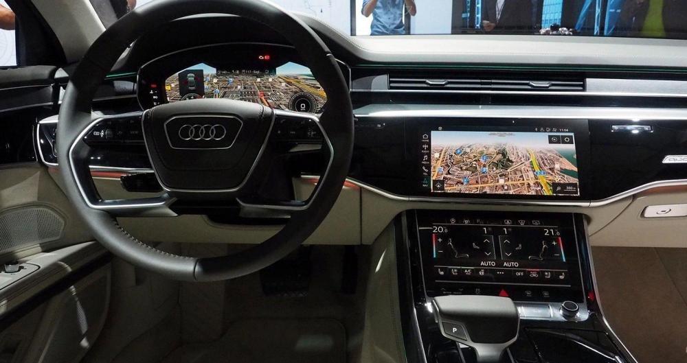 Ảnh chụp vô-lăng xe Audi A8 2018