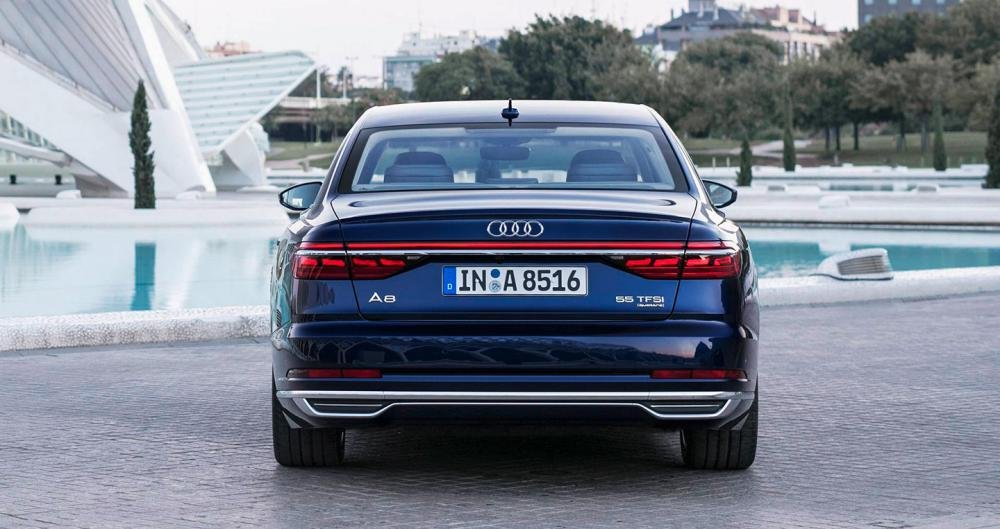 Ảnh chụp đuôi xe Audi A8 2018