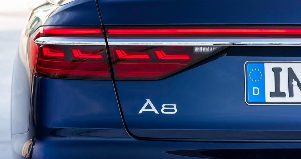 Ảnh chụp đèn hậu xe Audi A8 2018