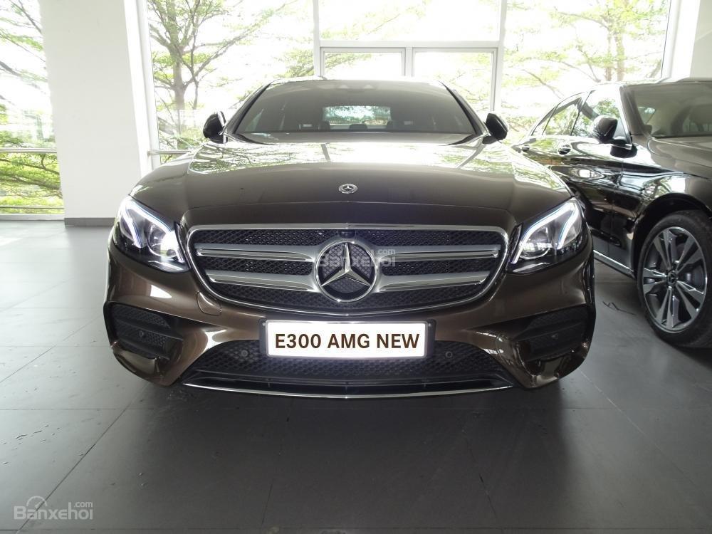 Bán Mercedes-Benz E300 AMG model 2019 - Liên hệ đặt hàng: 0919 528 520-1