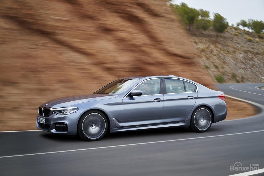 Đánh giá xe BMW 5-Series 2018 về mức tiêu thụ nhiên liệu  1