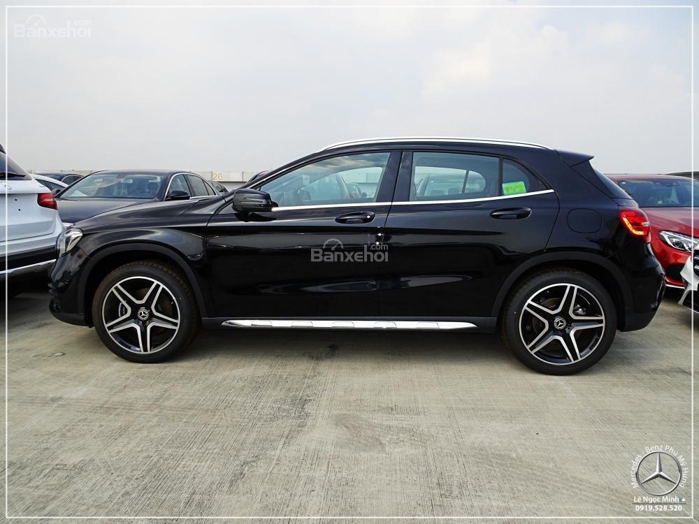 Bán Mercedes-Benz GLA 250 4 Matic - Xe SUV nhập khẩu - Hỗ trợ bank 80% - Ưu đãi tốt trong tháng- LH: 0919 528 520-1